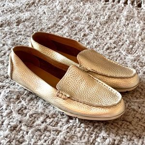Gold Metallic Pebbled Leather Sperry Loafers 7.5
